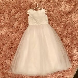 Whit flower girl dress size 5